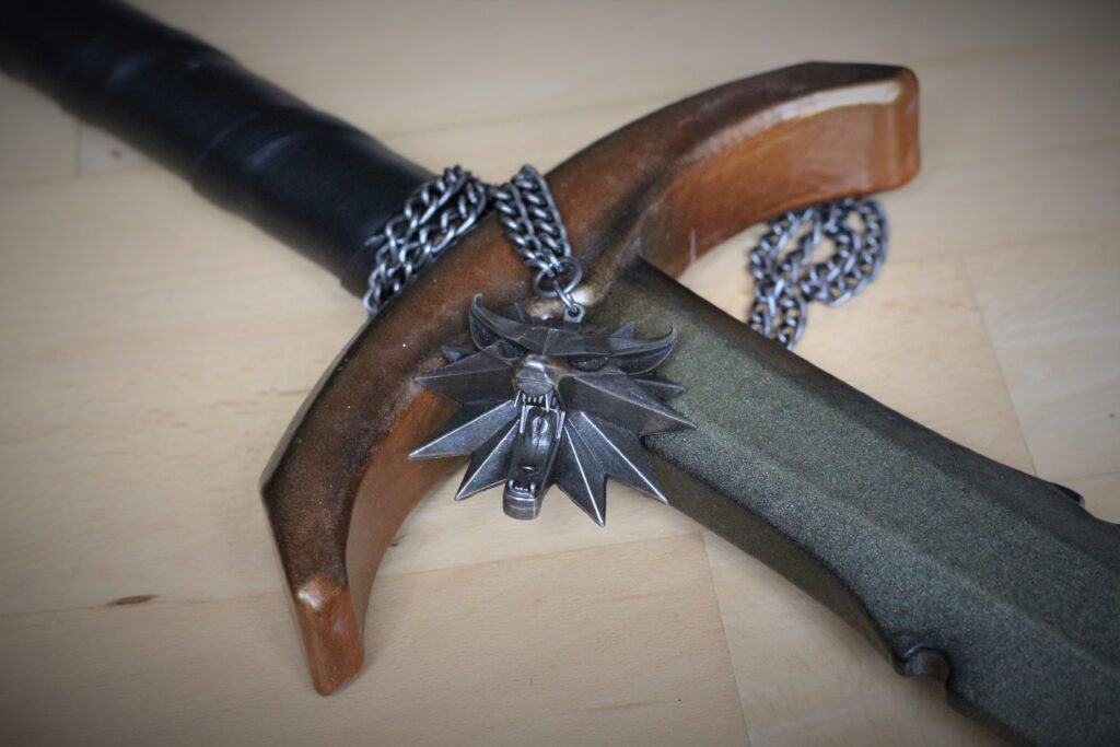 LARP Sword Witcher Medallion