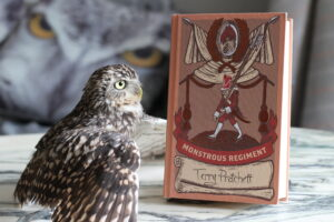 Monstrous Regiment Terry Pratchett Owl