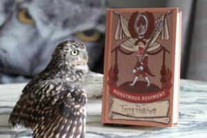 Monstrous Regiment Terry Pratchett Owl