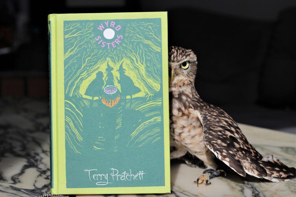 Wyrd Sisters Terry Pratchett