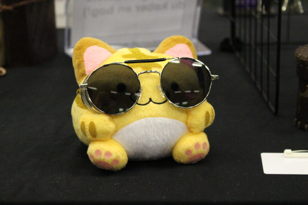 Cat plushie sunglasses