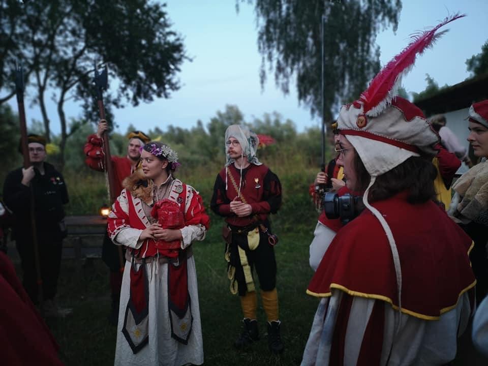 Krigslive Bryllup